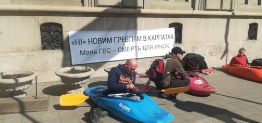 262433_eko_aktivisti_piketuvali_loda_protestujuc.jpeg